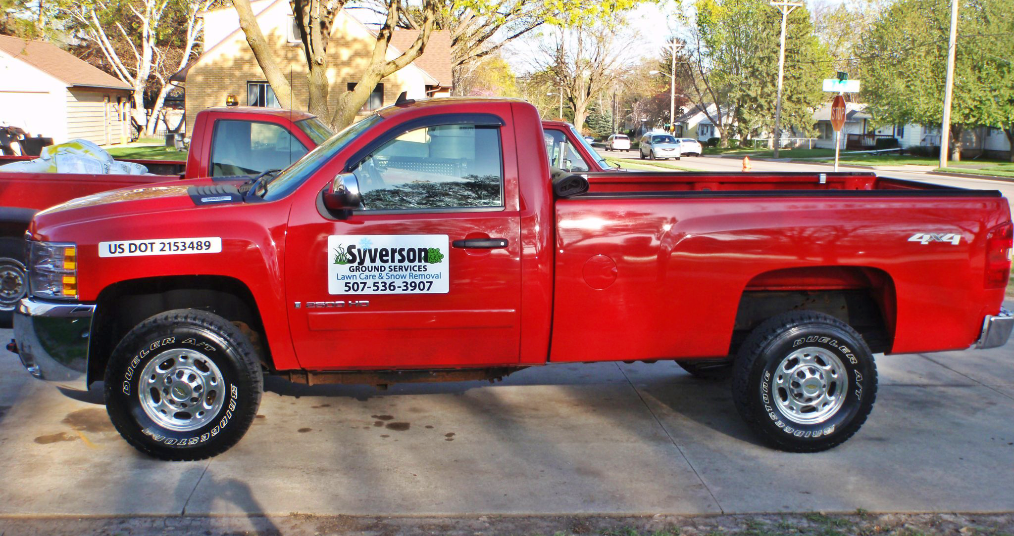 syverson-ground-services-lawncare2-850x400
